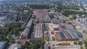 Poltex - Manufaktura widoczna ogromna powierzchnia zajmowana przez parkingi